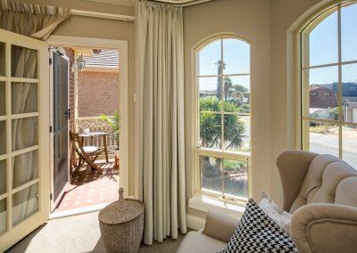 16 Bed 1 balcony